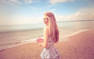 girl-overcoming-breakup hypnosis